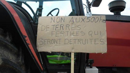 Non à la destruction de terres agricoles