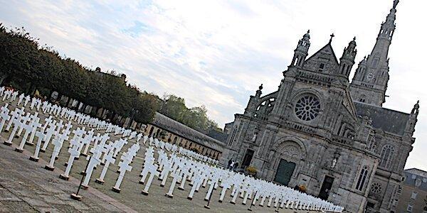 suicides d'agriculteurs Hommage à Sainte Anne d'Auray