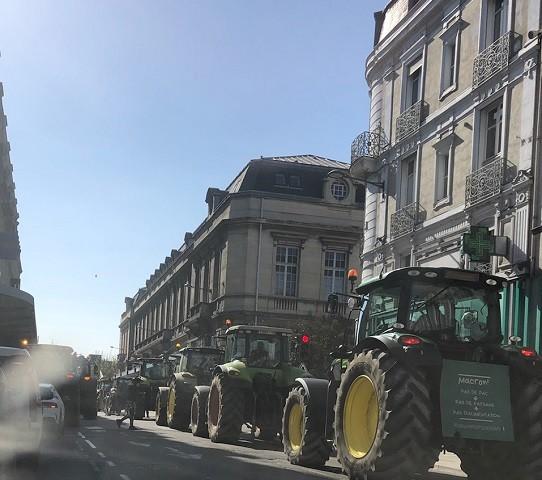 Manifestation CR 10 Troyes